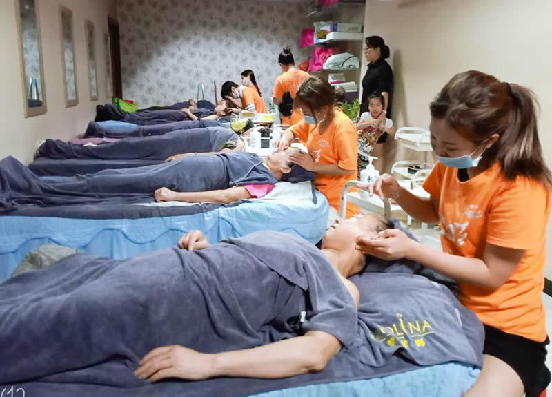 美容师培训班多少钱一个月