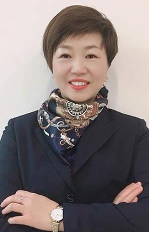 小宇 美容部老师