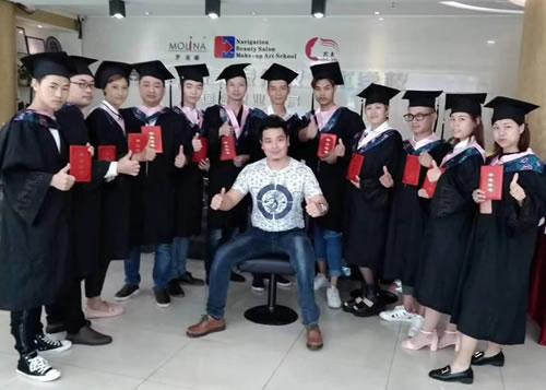 重榜好消息,8月24号朱峰老师美发培训班开课啦!