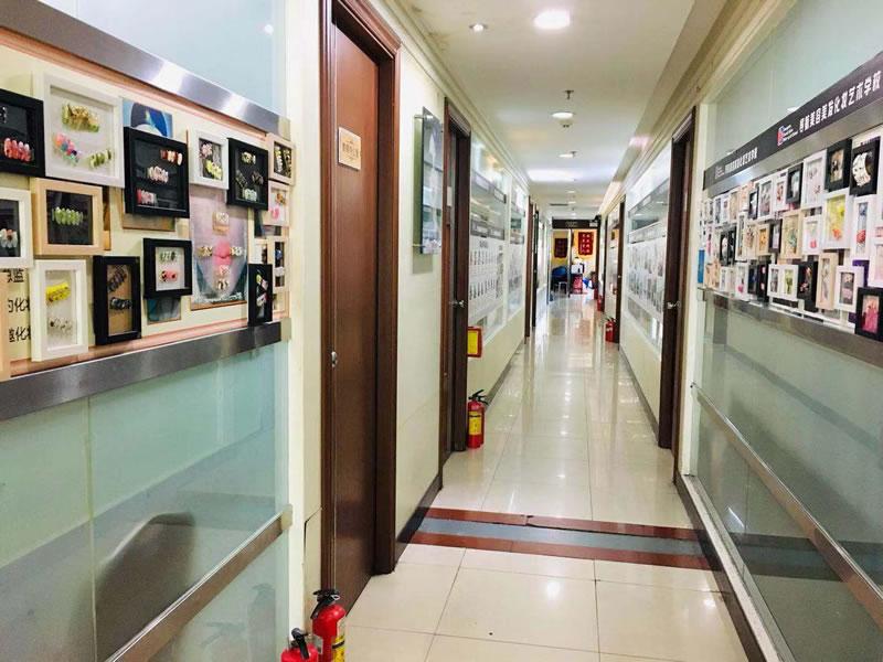 导航学校走廊
