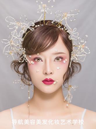 时尚平面广告彩妆造型课程