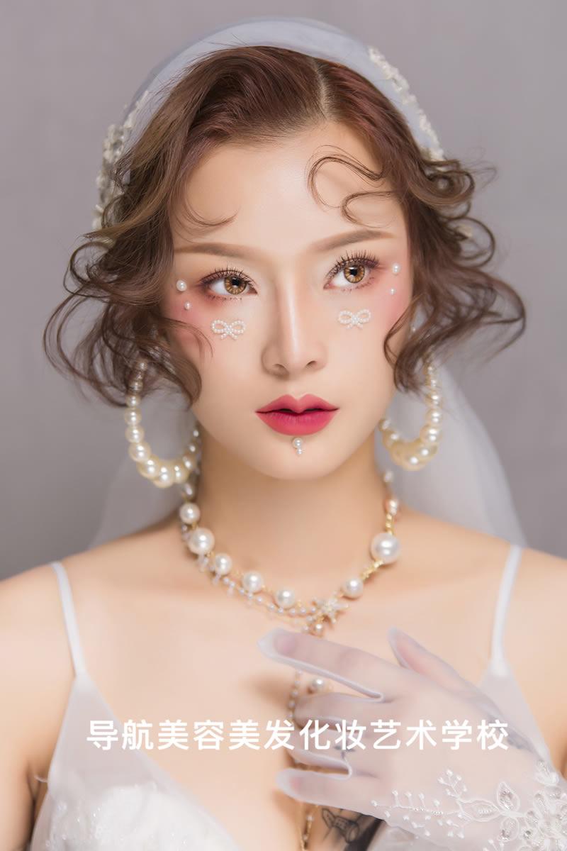 时尚平面广告彩妆造型
